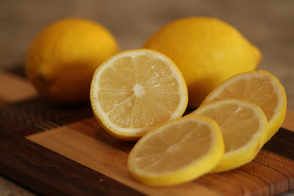 Lemon for removing acne scars