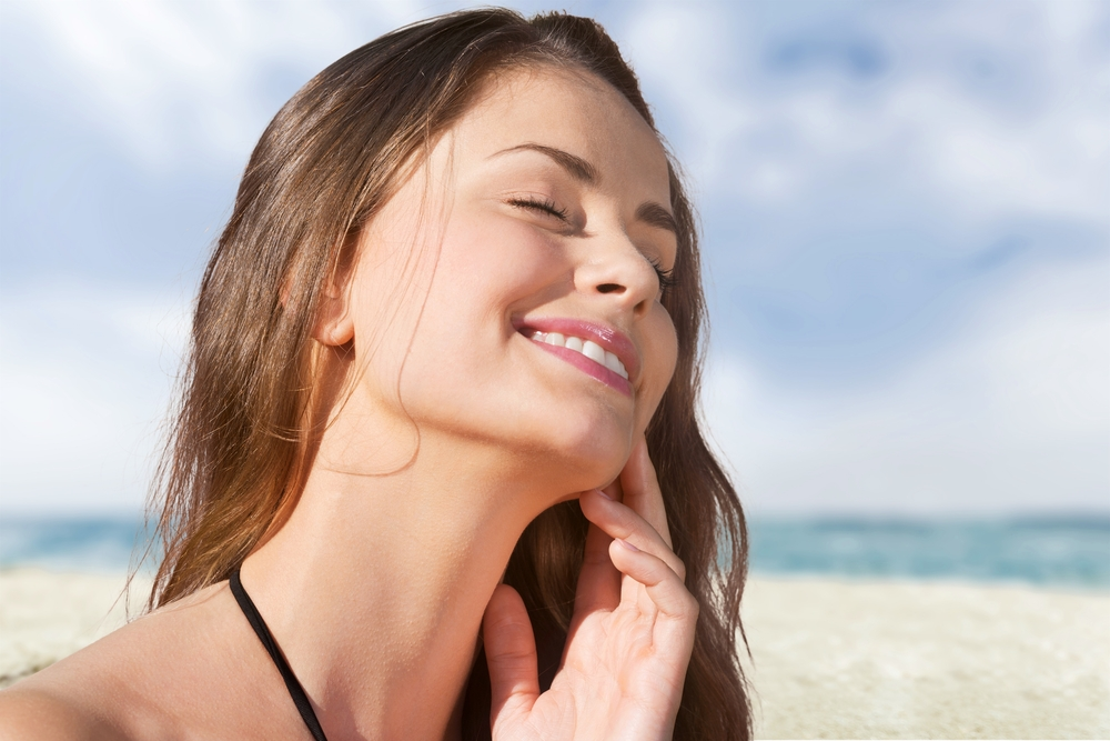 Among all the problems in the lives of peoples, the epidemic influences of summer on the skin are one of the toughest to sort out. Extreme summer is a bad time for skin and may cause serious harm to your skin if you are aware of the ways to take care of your skin. To solve the summertime skin issues, today I am here with the top 5 effective skincare tips so that you can enjoy the summer without any worry. So let us get into it.