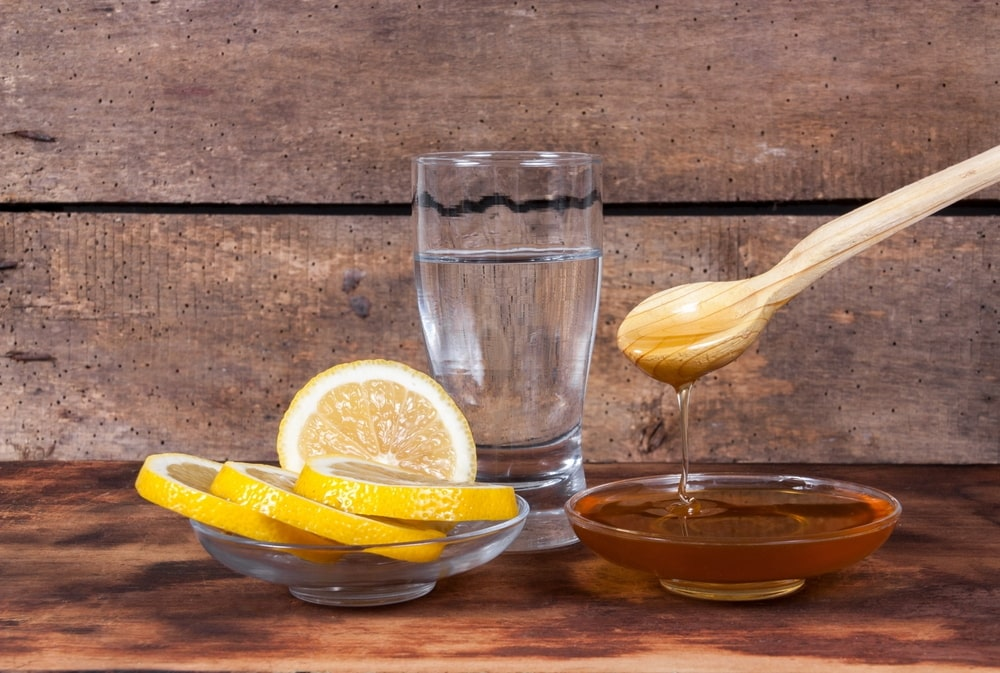 Lemon and honey both are rich natural moisturizer and antioxidants. A perfect combination of soothing and cleaning to get a natural look.
